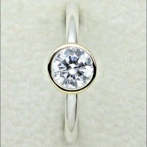 Pandora petite circle ring size 56 (((➖pretty➖)))